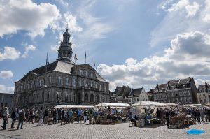 Il Municipio di Maastricht nella Piazza del Mercato