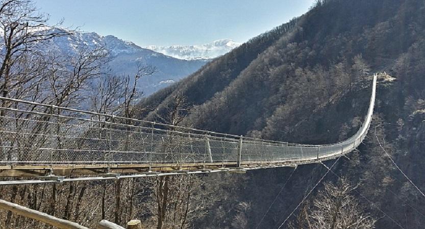 Ponte tibetano di Curzútt