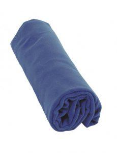 preparazione del bagaglio a mano: asciugamano