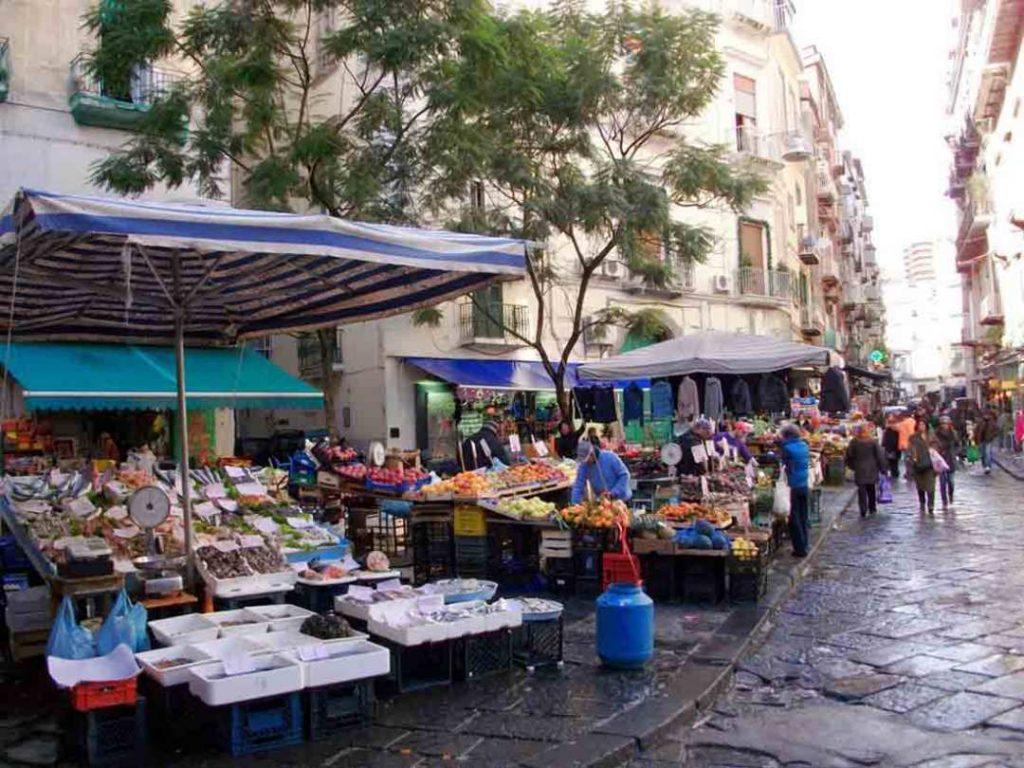 Napoli in 2 giorni: meercato della pignasecca