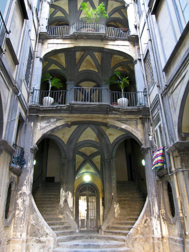 Napoli in 2 giorni: Palazzo mastelloni