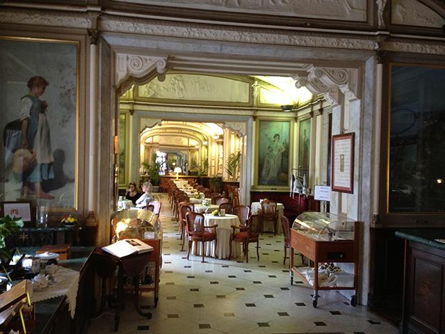 Napoli in 2 giorni: grancaffè gambrinus