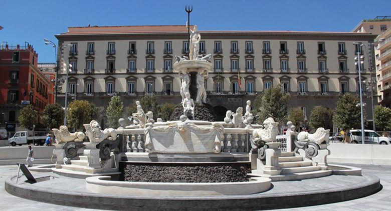 Napoli in 2 giorni: piazza municipio