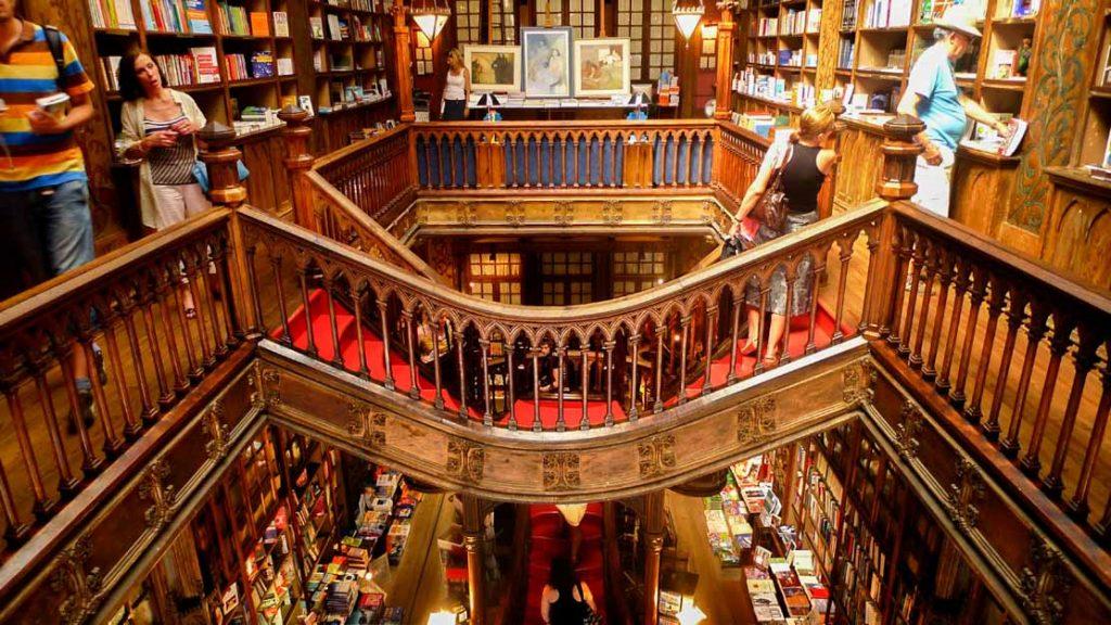 portogallo con ryanair: libreria lello