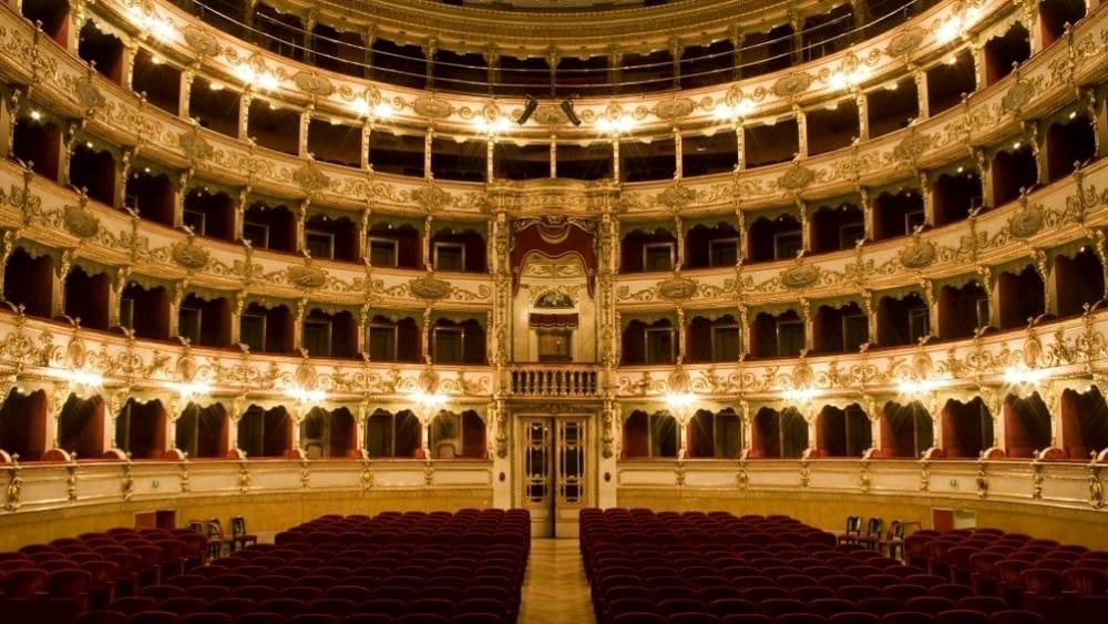 Napoli in 2 giorni: teatro san carlo