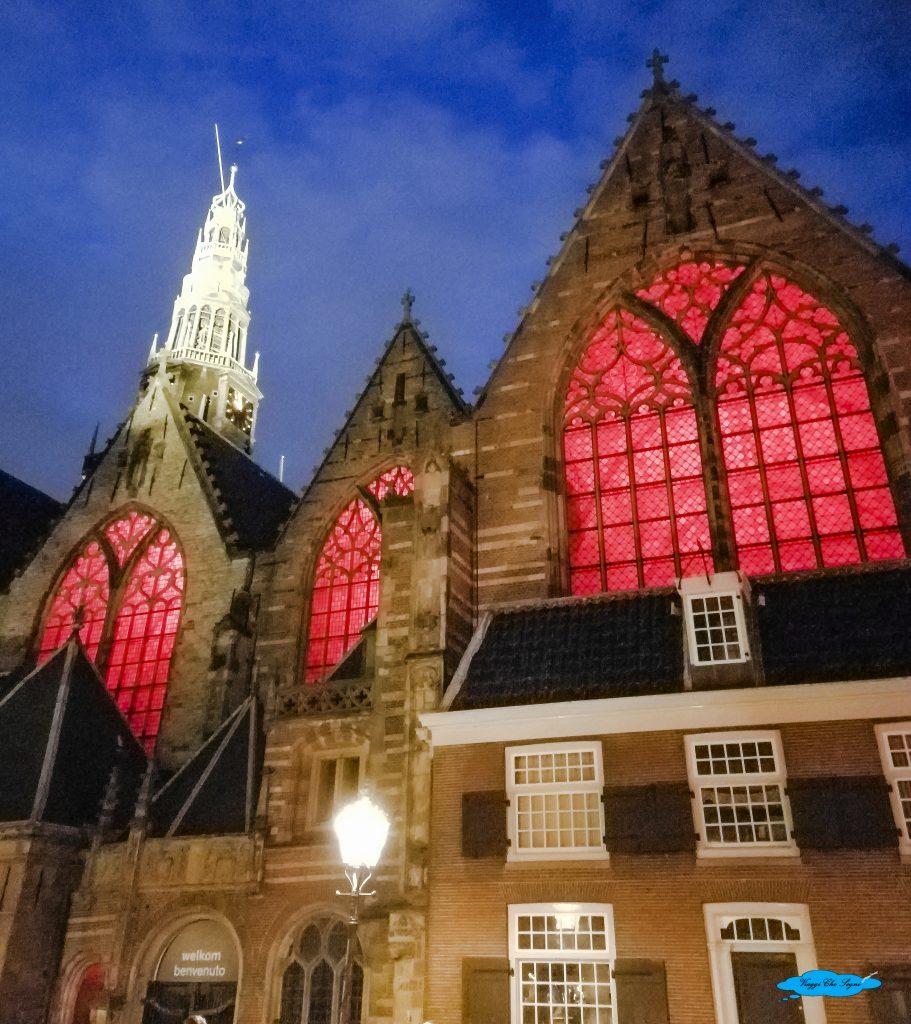 l'Oude Kerk ad Amsterdam