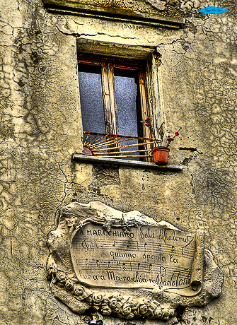 trekking ubrano sul lungomare di napoli: finestra marechiaro
