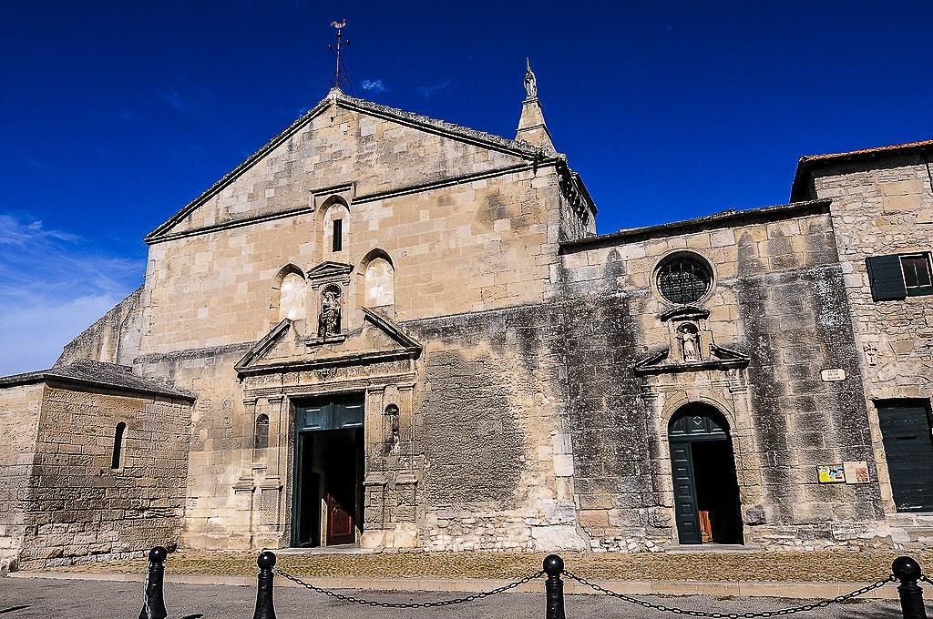 cosa vedere ad arles in un giorno: la chiesa di Notre Dame de la Major
