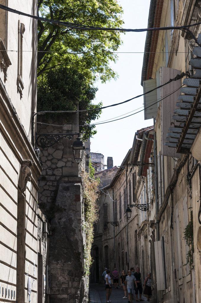 cosa vedere ad arles in un giorno: vicoli di Arles