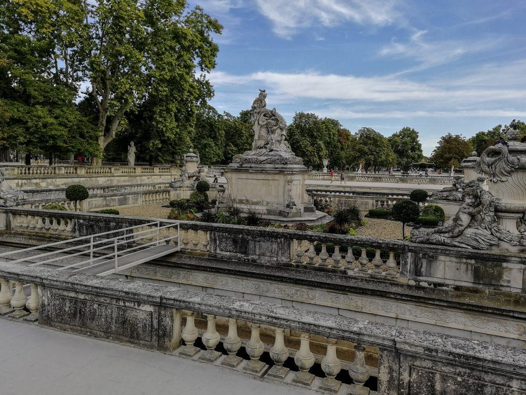 Nimes in 1 giorno: la fontana nei giardini monumentali