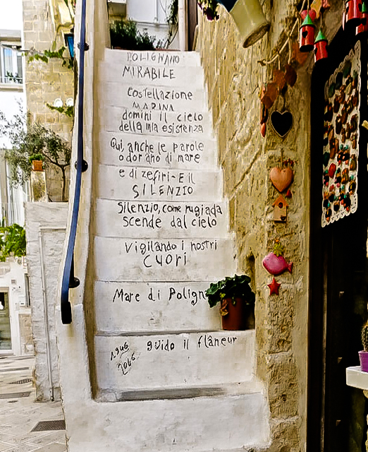 Due giorni a Polignano a mare: vista scalinata e poesia