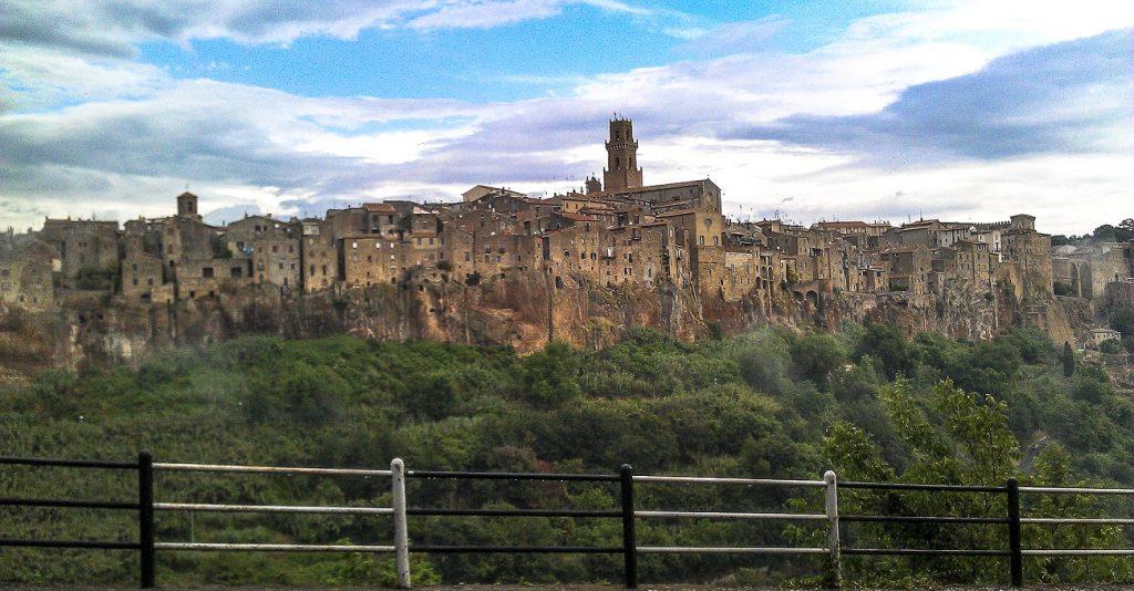 Le città del tufo in 3 giorni: panorama di Pitigliano