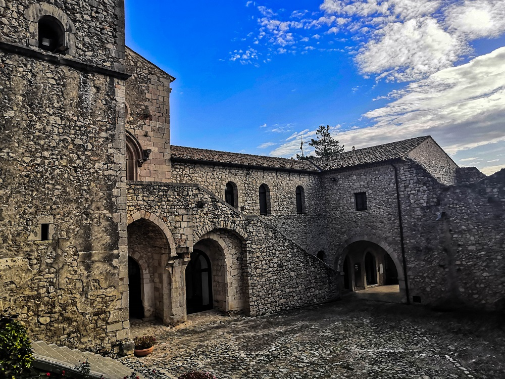 abbazia del goleto chiesa di san luca
