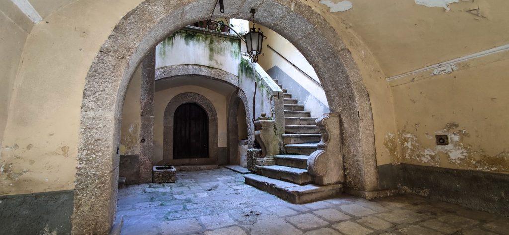 Altro da vedere in Irpinia: interno-palazzo-nobiliare