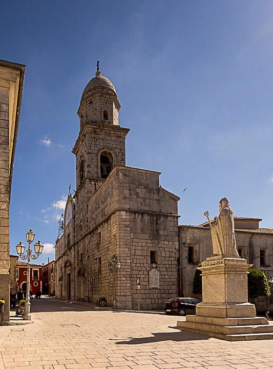 Altro da vedere in Irpinia: Balcone sull'Irpinia piazza sant'amato e cattedrale